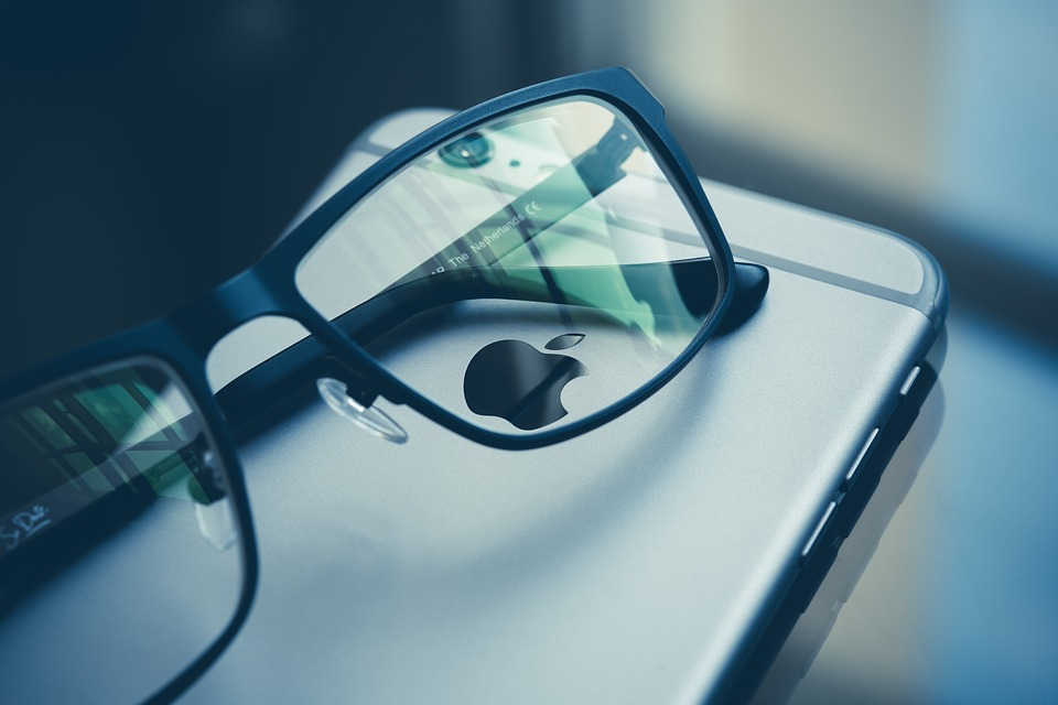 The Highly Anticipated Entry of Apple in Head-Mounted Display Market